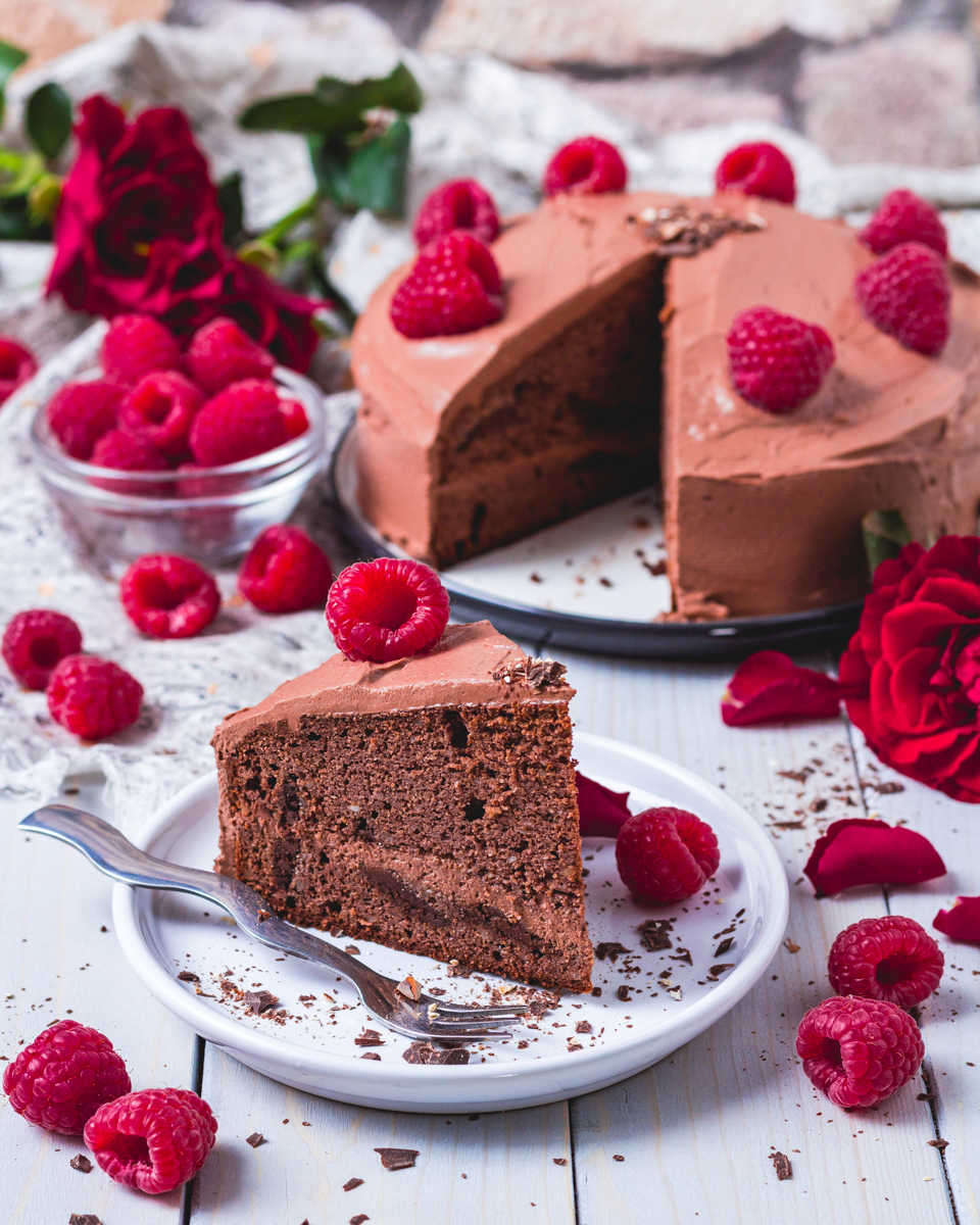 Low carb Chocolate cake with chocolate Cream