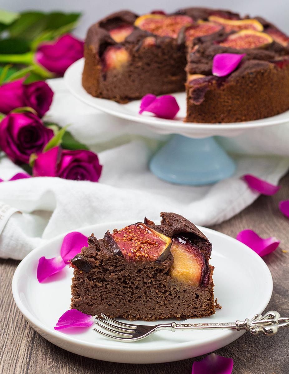 Schoko-Grieß Kuchen mit Herbstlichem Obst