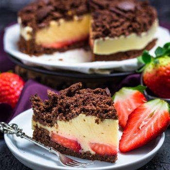 Maulwurskuchen mit Erdbeeren und Puddingcreme