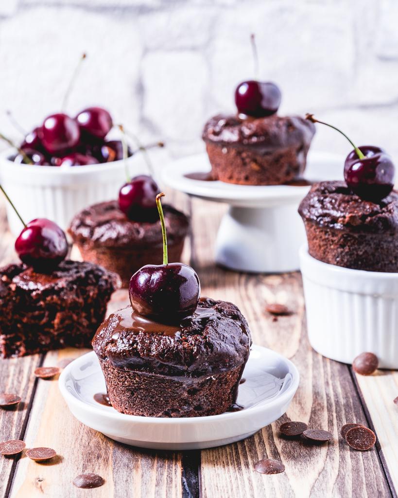 gesunde Schoko Muffins mit Schokostückchen