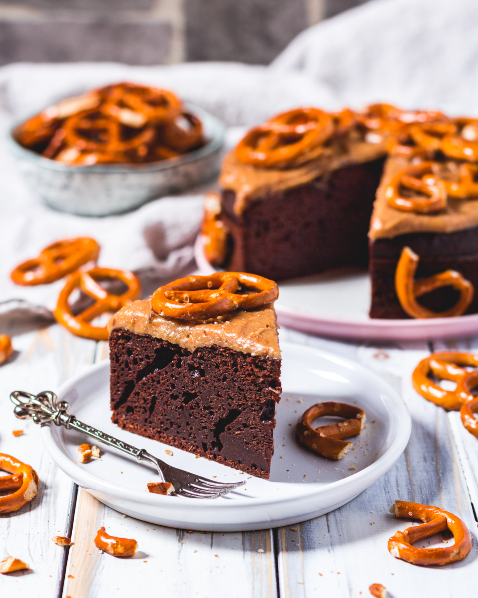 Brownie Protein cake with Caramel- Pretzel Topping