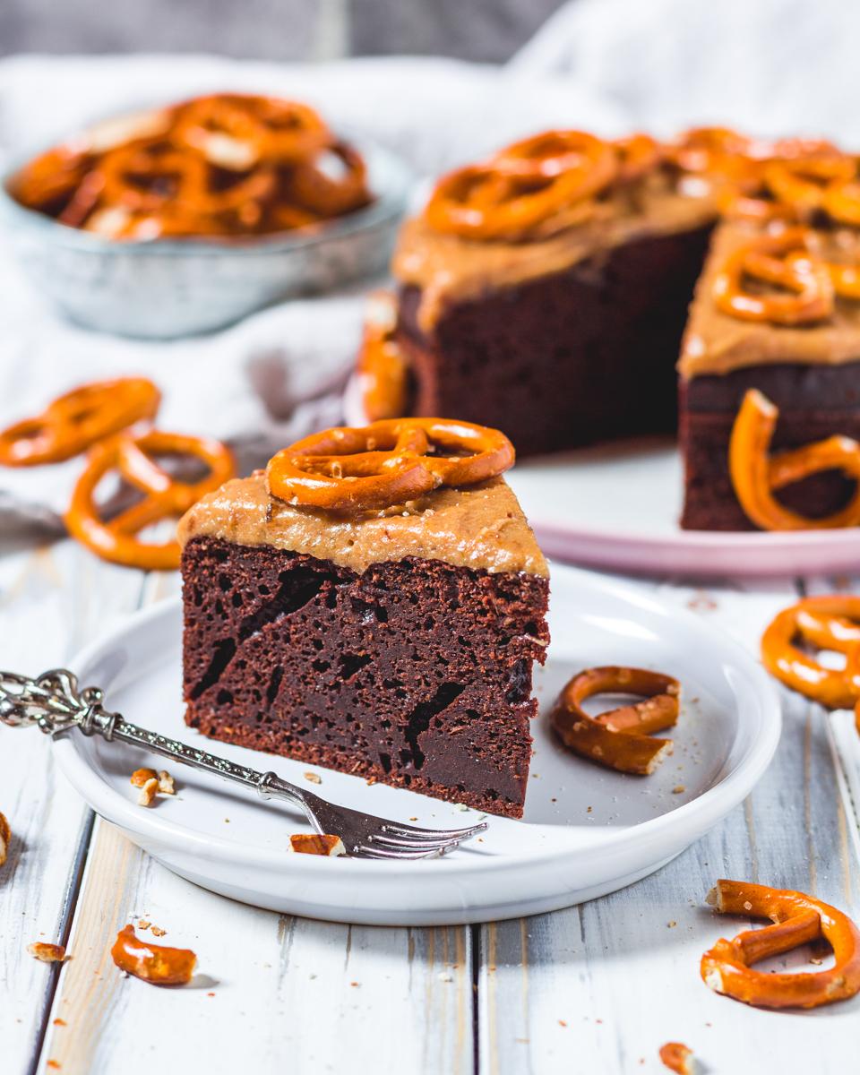 Brownie Kuchen mit Karamell Guss