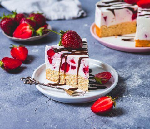 zuckerfreier Kuchen mit Erdbeer-Quark