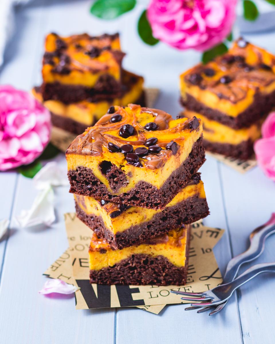 vegan pumpkin cheesecake sugar-free, gluten-free with peanutbutter
