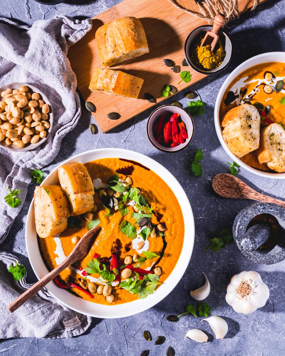 Kürbissuppe mit Erdnüssen - vegan