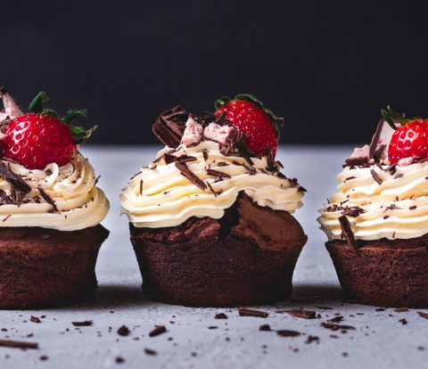 Erdbeer-Schoko Muffins ohne Zucker