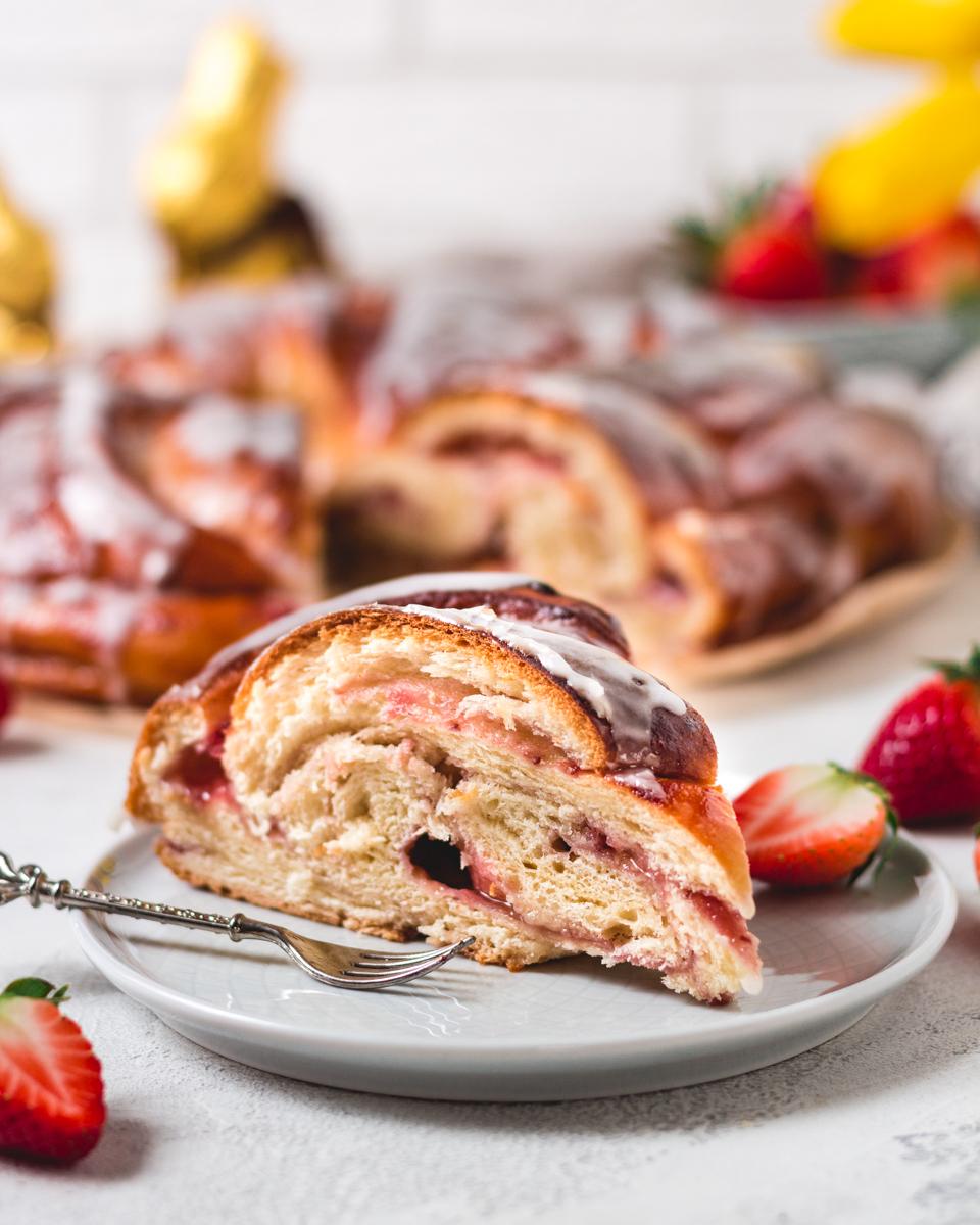 Hefekranz mit Marmeladen-Füllung, vegan